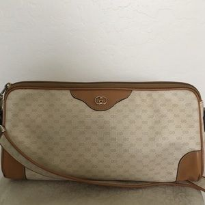 Vintage Gucci cross body purse